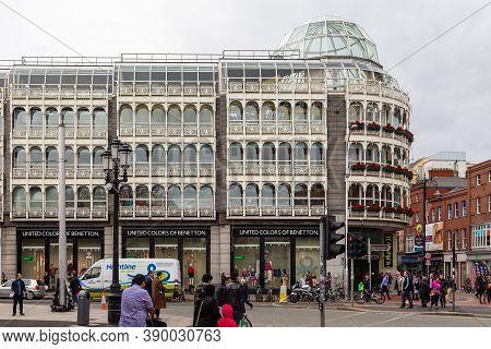 Dublin, Ireland - 10 November 2015: Saint Stephen Green Shopping Center. A Steel And Glass Shopping