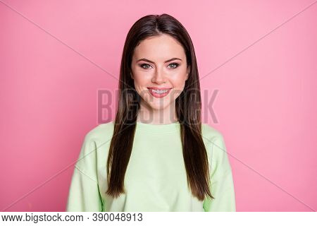 Closeup Photo Of Cheerful Attractive Pretty Lady Groomed Straight Long Hairdo Beaming Smiling Good M