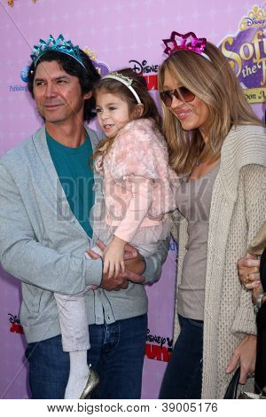 LOS ANGELES - NOV 10:  Lou Diamond Phillips, daughter  and wife  arrives at the