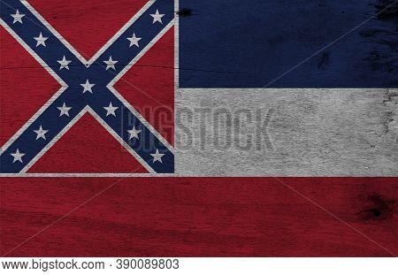 Flag Of Mississippi On Wooden Plate Background. Grunge Mississippi Flag Texture, The States Of Ameri