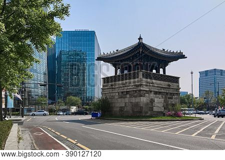 Seoul, South Korea -  April 30, 2017. Watchtower Of Gyeongbokgung Palace (dongsipjagak) Against The