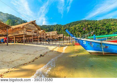 Surin Islands, Phang-nga, Thailand - January 3, 2016: Diesel Traditional Thai Long-tail Boat In Moke