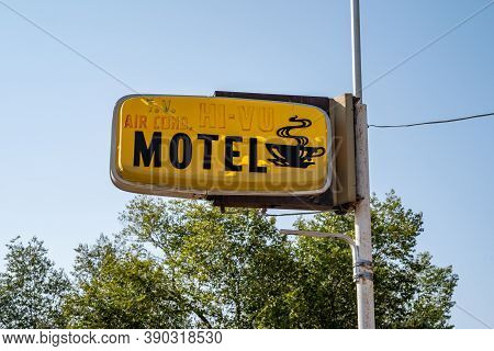 Dinosaur, Colorado - September 20, 2020: Old Sign For The Hi-vu Motel, Which Is Abandoned