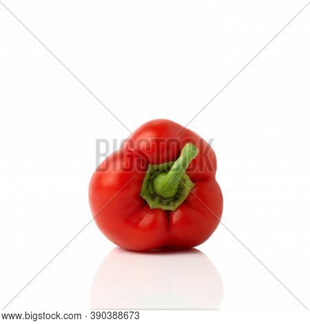 Red Bell Pepper (sweet, Capsicum, Paprika) Isolated On White Background. One Whole Fresh Vegetable W