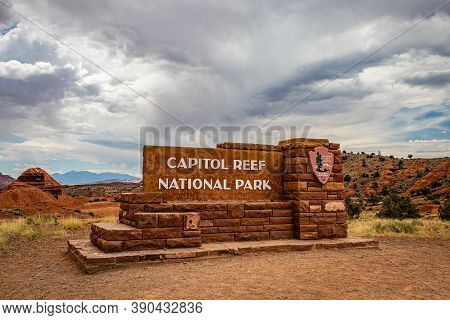 Capitol Reef National Park, Utah, Usa - June 24, 2020: The Official National Park Service Sign That