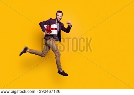 Full Size Profile Photo Of Handsome Stylish Guy Jump High Up Rushing Girlfriend Birthday Party Carry