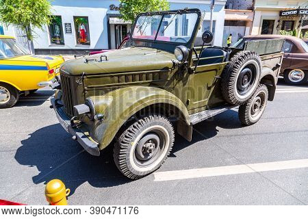 Samara, Russia - June 12, 2019: Off-road Vehicle Gaz 69. Exposition Of Retro Cars On The Central Str