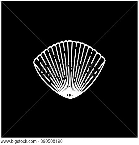 Vintage Beauty Silhouette Seashell Oyster Scallop Shell  Pearl Bivalve Cockle Mussel Clam Simple Lin