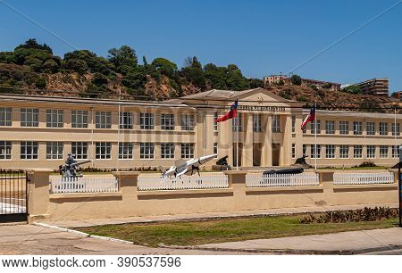 Vina Del Mar, Chile - December 8, 2008: Large Beige Building Of The Armed Forced, The Navy In Partic