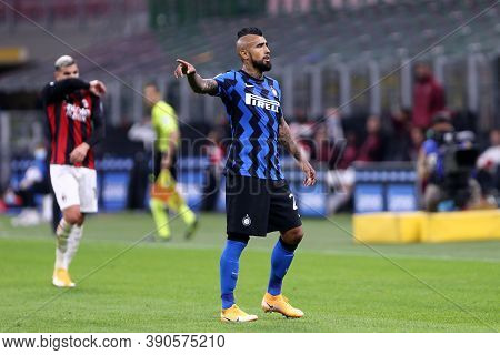Milano (italy), 17th October 2020. Arturo Vidal Of Fc Internazionale During The Serie A Match Betwee