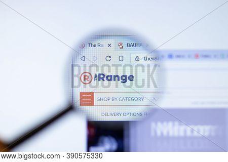 New York, Usa - 29 September 2020: Therange.co.uk The Range Company Website With Logo Close Up, Illu