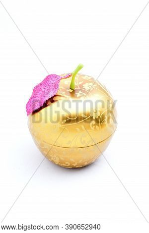 Kitchen Box, Yellow, Green Leaf, Apple, Round Toy Store Food Jewelry