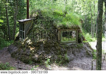 Umea, Norrland Sweden - May 29, 2020: A House Built By Sami That Resembles Something That Hobbits Li