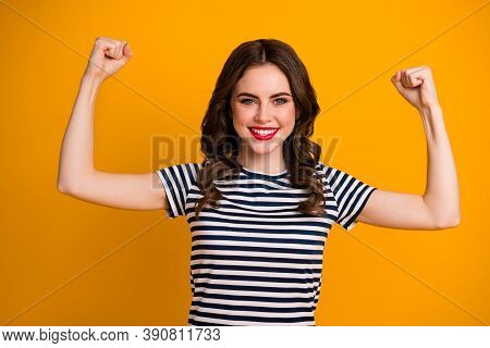 Close-up Portrait Of Her She Nice Attractive Lovely Pretty Strong Content Cheerful Cheery Wavy-haire