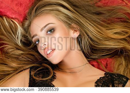 Sexy Womans Face. Beauty Womans Face In Bed. Portrait Face Of Sexy Glamour Fashion Young Girl With L