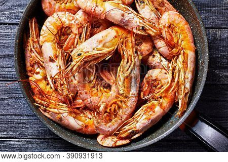 Garlic Butter Shrimps Cooked On A Skillet With Lime Of Big Size Wild Caught Shrimps Or Prawns Served