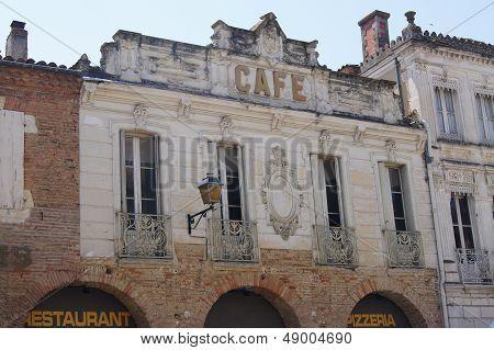 Vintage Caf� fa�ade