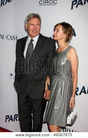 LOS ANGELES - AUG 8:  Harrison Ford, Calista Flockhart arrives at the