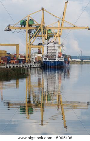 small container terminal