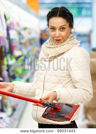 Beauty Woman in Shopping Mall