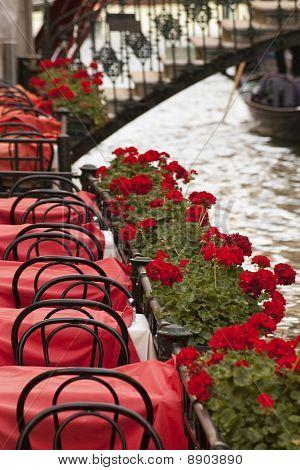 Restaurant Tables In Venice