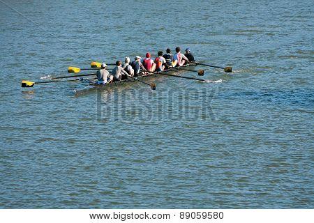 Men's Crew Team Rows Down Atlanta River