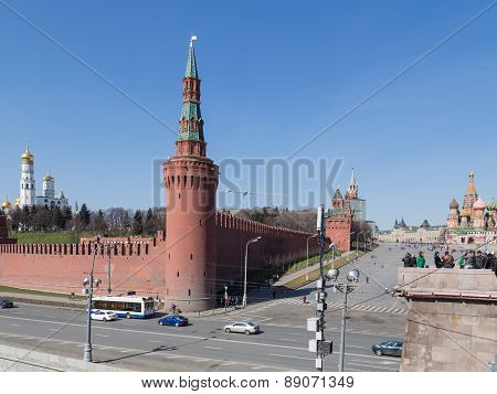 Beautiful Moscow Kremlin And Vasilevsky Descent