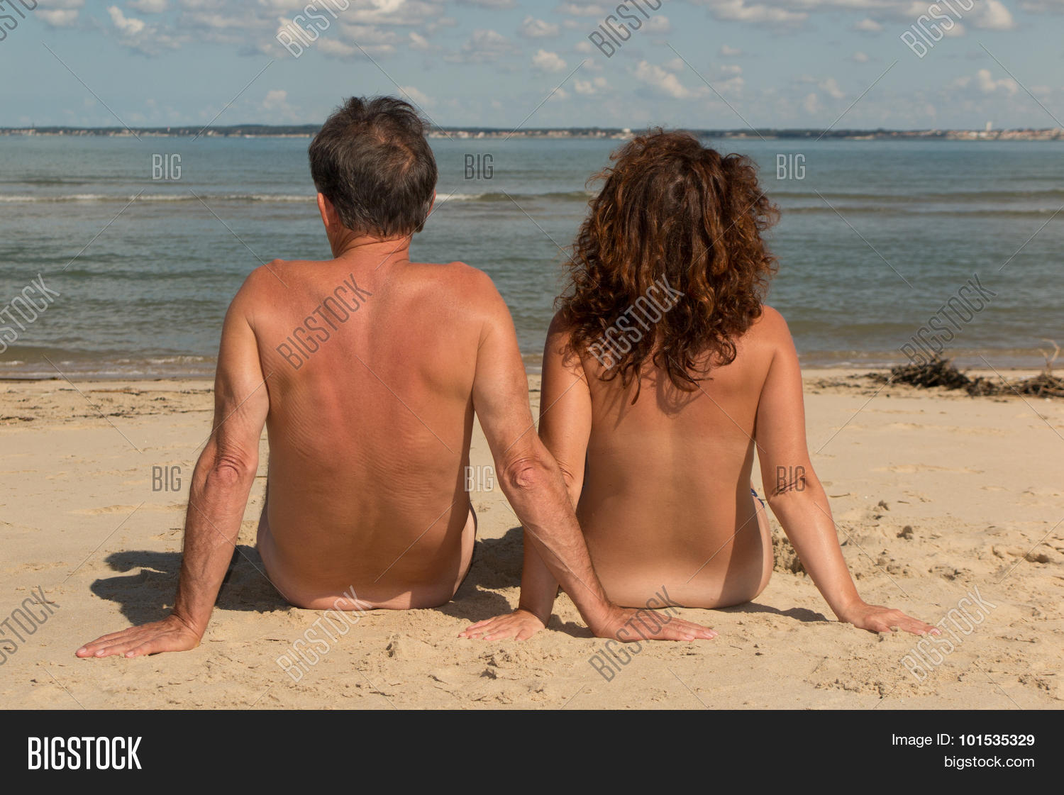 Free pictures of naked couples