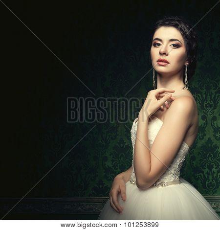 Beautiful Bride In Luxury Vintage Interior