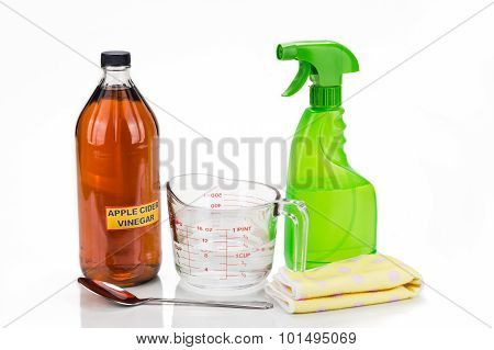 Apple Cider Vinegar, Effective Natural Solution For House Cleaning, Personal And Pets Care.