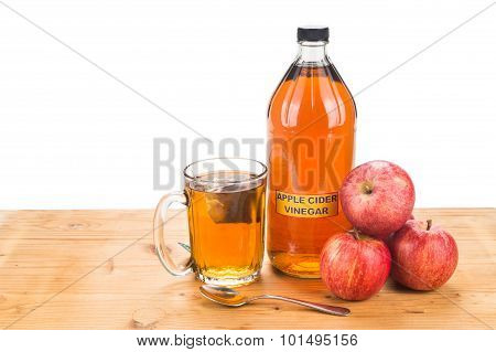 Apple Cider Vinegar With Brewed Tea, Natural Remedies And Cures For Common Health Condition.
