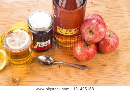 Apple Cider Vinegar With Honey And Lemon, Natural Remedies And Cures For Common Health Condition.