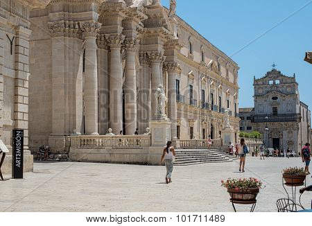 Siracusa Cathedral In Square Piazza Del Duomo In Ortigia Siracusa, Italy.