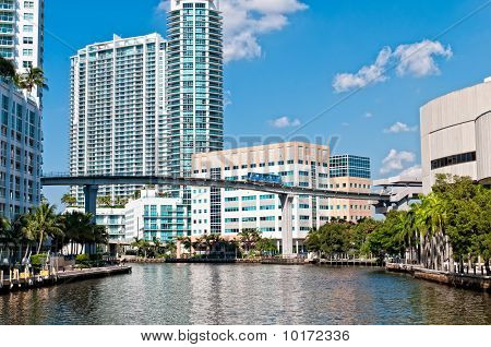 Miami River And Metrorail Mover