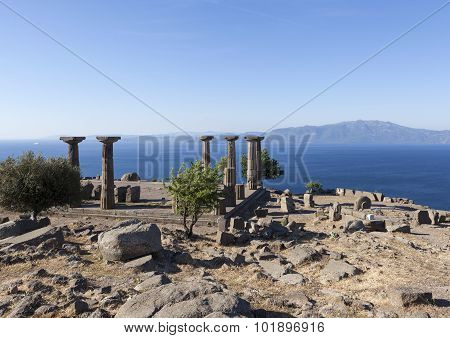 Antique column off the coast of the Aegean Sea. Troy. Turkey.