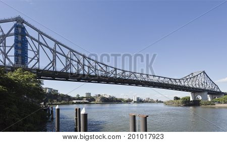 The Story Bridge is the longest cantilever bridge in Australia and spans 777 m over the Brisbane River.