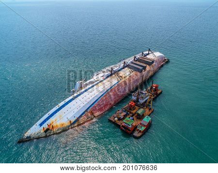 Boat crashes in the sea cruise ship accident Shipwreck