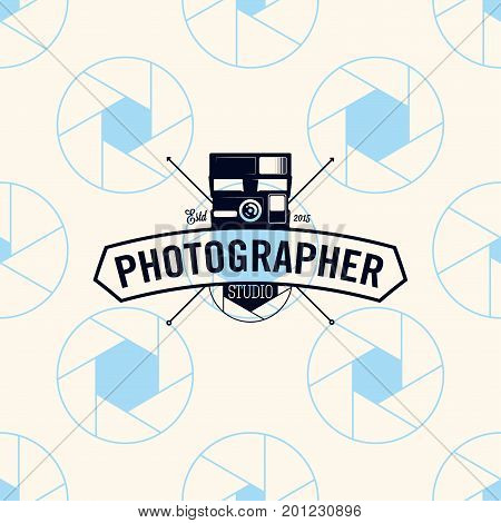 Photographer logo on seamless pattern camera shutter, vector illustration