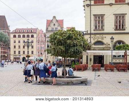 WROCLAW POLAND - AUGUST 16 2017: Polish Girl Guides At Rynek Market Square In Wroclaw