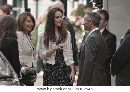 LONDON, ENGLAND - APRIL 28: Kate Middleton (C) arrives with her mother Carole Middleton at the Goring Hotel on the evening before her wedding to Prince William on April 28, 2011 in London England.