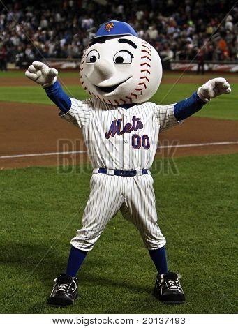 FLUSHING, NY - SEPTEMBER 15: New York Mets mascot, Mr. Met, during a baseball game at CitiField ballpark against the Pittsburgh Pirates on September 15, 2010 in Flushing, New York.