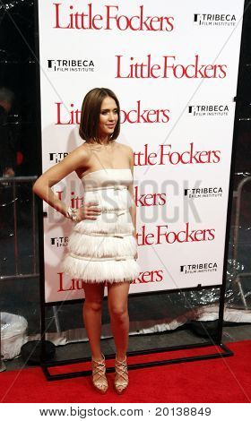 """NEW YORK - DECEMBER 15: Jessica Alba attends the world premiere of """"Little Fockers"""" at the Ziegfeld Theatre on December 15, 2010 in New York City."""