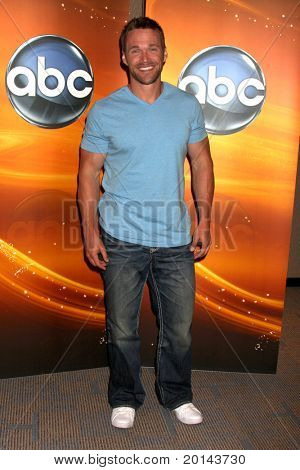 LOS ANGELES - MAY 14:  Chris Powell at the Disney ABC Television Group May Press Junket 2011 at ABC Building on May 14, 2011 in Burbank, CA
