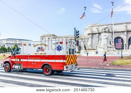 Washington Dc, Usa - July 1, 2017: Union Station On Columbus Circle With Firetruck And Ems On Road