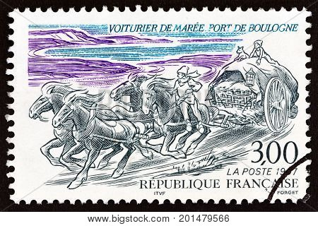FRANCE - CIRCA 1997: A stamp printed in France shows Horse-drawn Fish Cart from Boulogne, circa 1997.