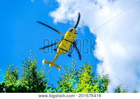 helicopter rescue yellow mountain rescue alpine chopper