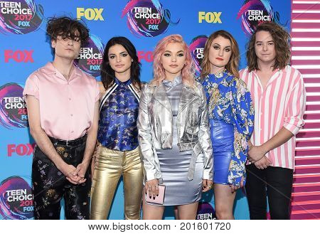 LOS ANGELES - AUG 13:  Hey Violet arrives for the Teen Choice Awards 2017 on August 13, 2017 in Los Angeles, CA
