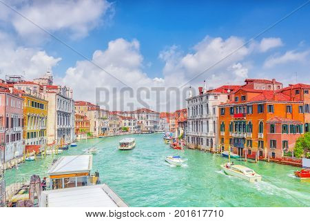 Views Of The Most Beautiful Canal Of Venice - Grand Canal Water Streets, Boats, Gondolas, Mansions A