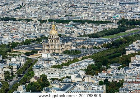 Skyline of Paris from the top of the Montparnasse tower. We can see the Hotel national des Invalides