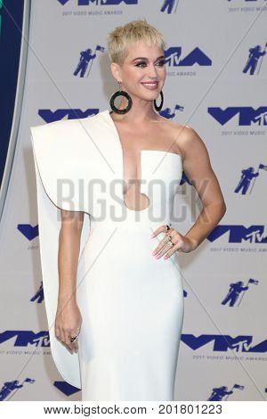 LOS ANGELES - AUG 27:  Katy Perry at the MTV Video Music Awards 2017 at The Forum on August 27, 2017 in Inglewood, CA